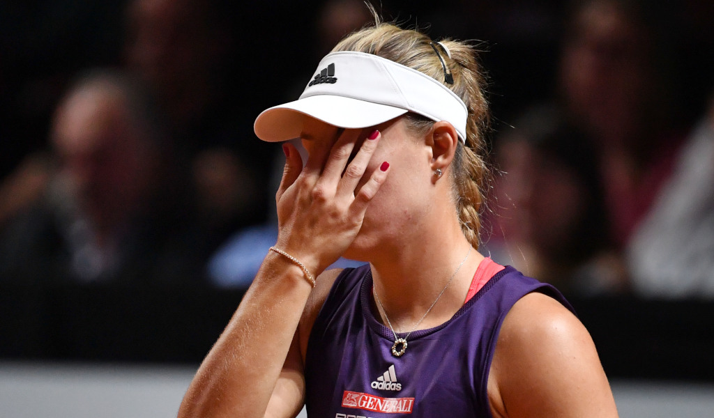 Wimbledon: Defending Champion Kerber Stunned In Second Round