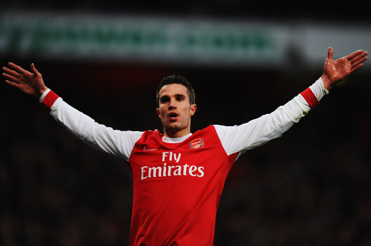 Van Persie Apologises To Arsenal Fans Hurt By 2012 Move To United